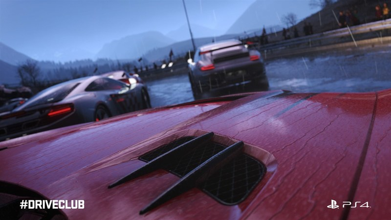 Does Driveclub come with local multiplayer? : PS4