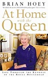 At Home With the Queen - Brian Hoey (Paperback)