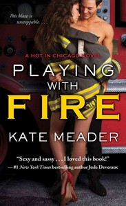 Playing With Fire - Kate Meader (Paperback) - Cover