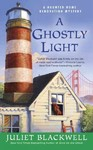 A Ghostly Light - Juliet Blackwell (Paperback)