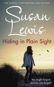 Hiding In Plain Sight - Susan Lewis (Hardcover)