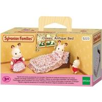 Sylvanian Families - Delightful Classic Antique Bed (Playset)