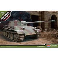 Academy - 1/35 - German Panther Ausf. G (Plastic Model Kit)